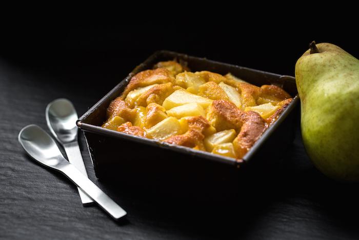 Gâteau aux poires et au caramel