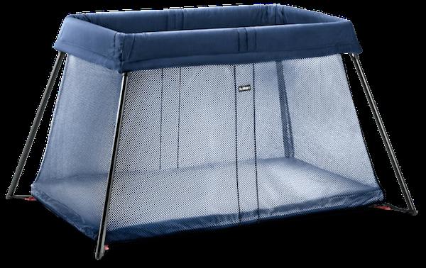 040213-travel-crib-light-dark-blue-mesh-from-babybjorn-671x423.png