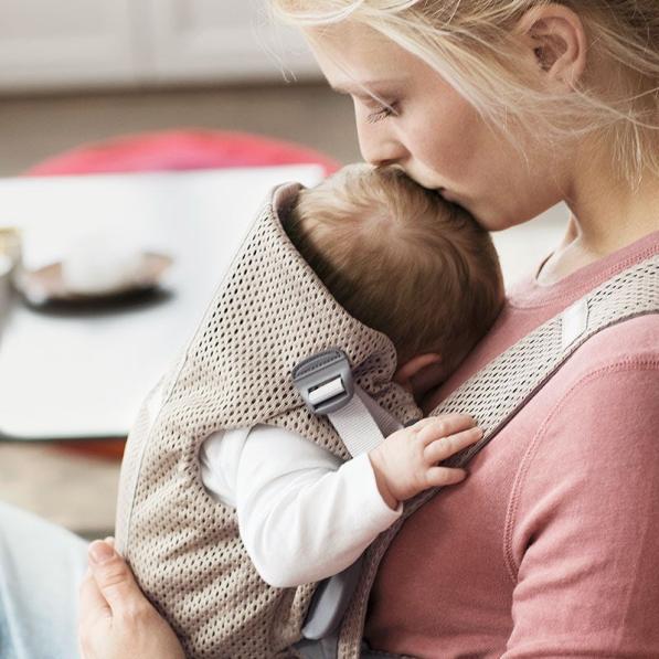 baby-carrier-mini-greige-3d-mesh-021002-babybjorn-04b