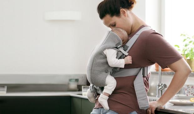 baby-carrier-mini-light-grey-3d-jersey-021072-babybjorn-02-1